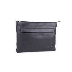 Gucci grained leather clutch 2?1548928840