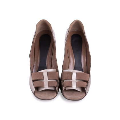 Authentic Second Hand Marni Suede and Leather Pumps (PSS-616-00001)