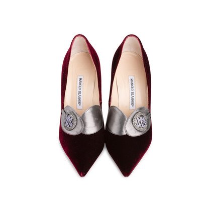 Authentic Second Hand Manolo Blahnik Velvet Pointed Pumps (PSS-618-00010)