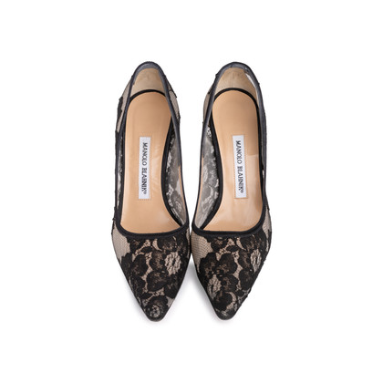 Authentic Second Hand Manolo Blahnik BB Lace Pointed Pumps (PSS-618-00011)