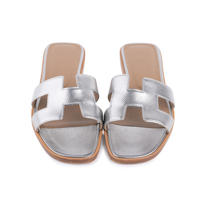 Authentic Pre Owned Hermès Metallic Epsom Oran Sandals (PSS-126-00139)