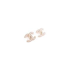 Chanel faux pearl logo stud earrings 2?1553751831