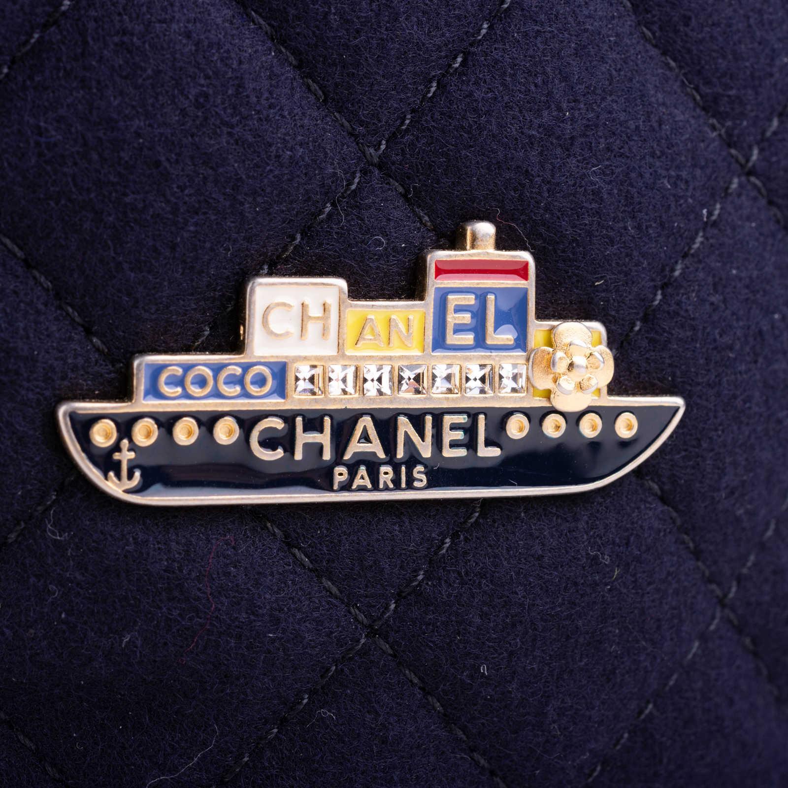 daa50377f66f ... Authentic Second Hand Chanel Paris Hamburg Bucket Bag (PSS-200-01661)  ...