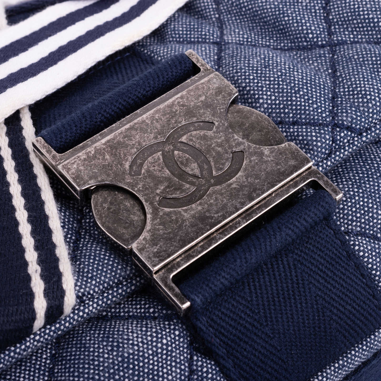 a8e80a10b682 ... Authentic Second Hand Chanel Chanel Airlines Denim and Toile Flap Bag ( PSS-200- ...