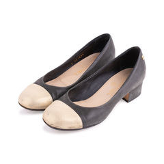 Chanel gold cap toe pumps 2?1555296501