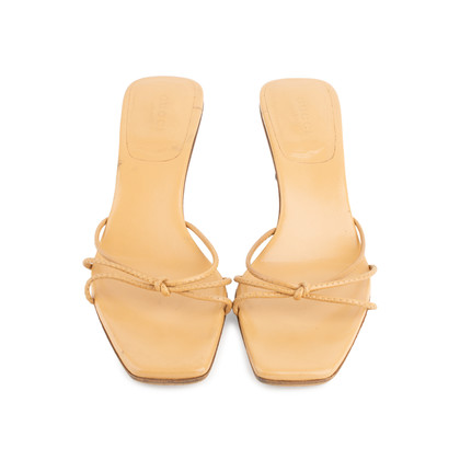 Authentic Second Hand Gucci Bamboo Kitten Heel (PSS-648-00009)