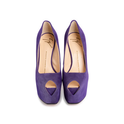 Authentic Second Hand Giuseppe Zanotti Liza Suede Pumps (PSS-715-00023)
