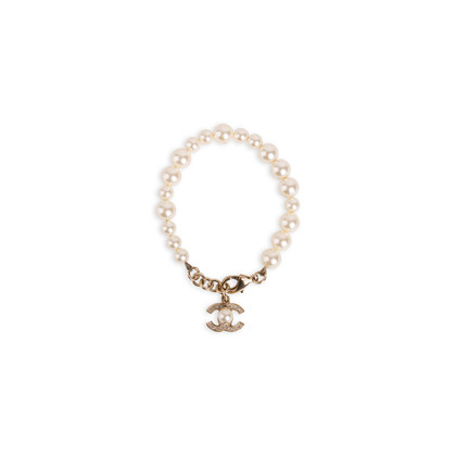 Authentic Second Hand Chanel CC Pearl Bracelet (PSS-190-00097)