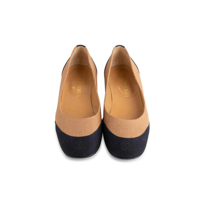 Authentic Second Hand Chanel 2-Toned Flats (PSS-804-00001)