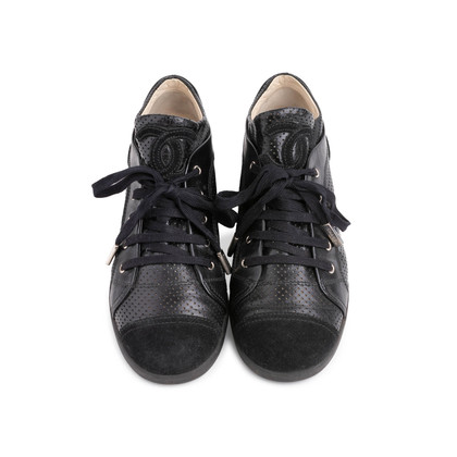 Authentic Second Hand Chanel Suede Cap Toe Sneakers (PSS-190-00137)