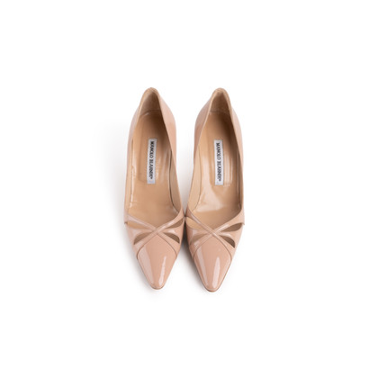 Authentic Second Hand Manolo Blahnik Nude Patent Pumps (PSS-054-00491)