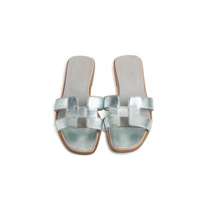 Authentic Second Hand Hermès Metallic Oran Flats (PSS-097-00610)