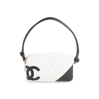 Authentic Second Hand Chanel Ligne Cambon Pochette (PSS-990-00092)