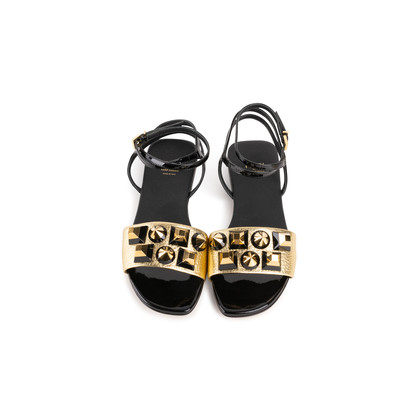 Authentic Second Hand Fendi Pyramid Stud Sandals  (PSS-990-00130)