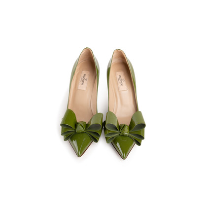Authentic Second Hand Valentino Bow Patent Pumps (PSS-990-00134)