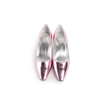 Authentic Second Hand Roger Vivier Virgule Pumps (PSS-990-00152)