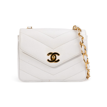 Authentic Second Hand Chanel Chevron Quilt Envelope Flap Bag (PSS-A32-00035)