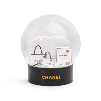 Authentic Second Hand Chanel Shopping Bags Snow Globe (PSS-674-00008)