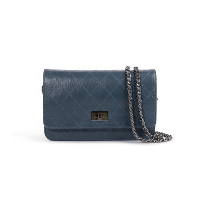 Authentic Second Hand Chanel Reissue 2.55 Wallet on Chain (PSS-A09-00036)