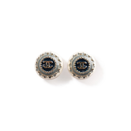 Authentic Second Hand Chanel CC Round Enamel Earrings (PSS-247-00238)