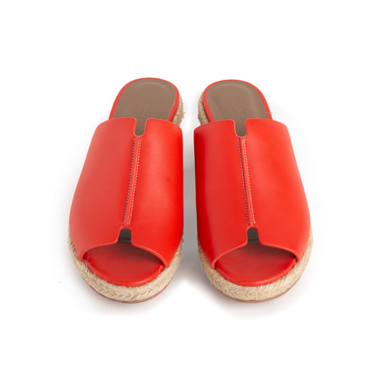 Authentic Second Hand Hermès Red Espadrille Sandal (PSS-B11-00018)